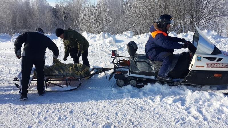 ВМордовии cотрудники экстренных служб эвакуировали иззанесенного снегом села 4 человека