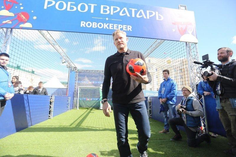 Петер Шмейхель: Сборной Российской Федерации нужно будет припомнить, как играть заочки