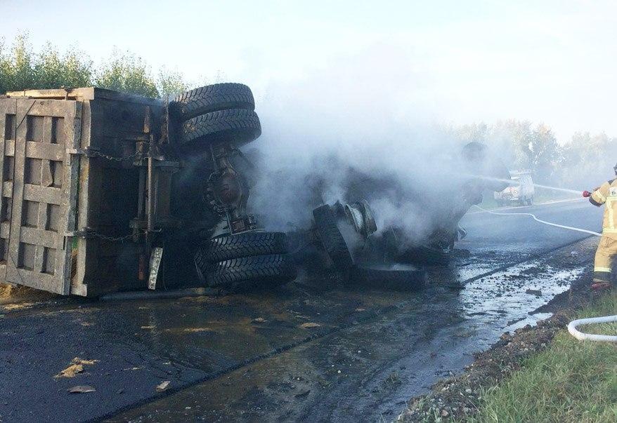Кошмарное ДТП вМордовии: машина превратилась вгруду металла, двое погибли