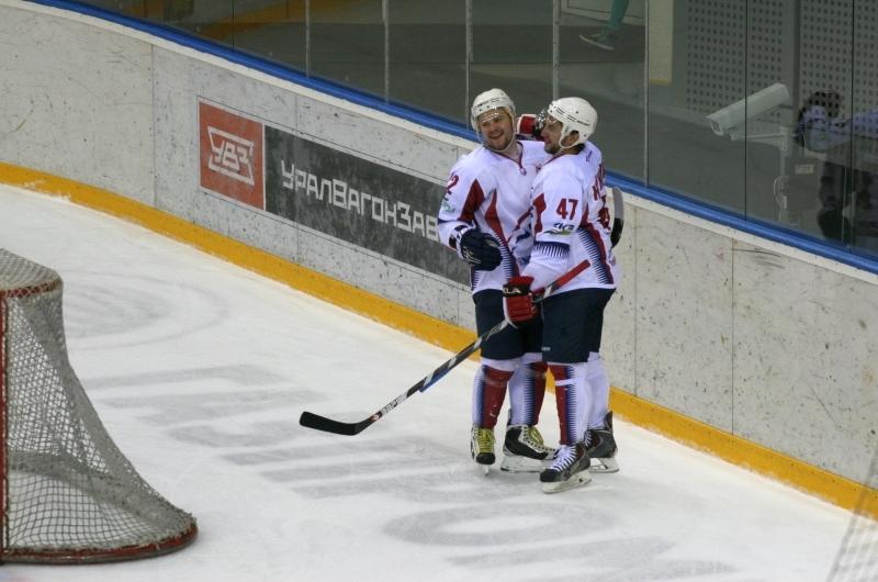 Мордовские хоккеисты вышли влидеры главенства ВХЛ