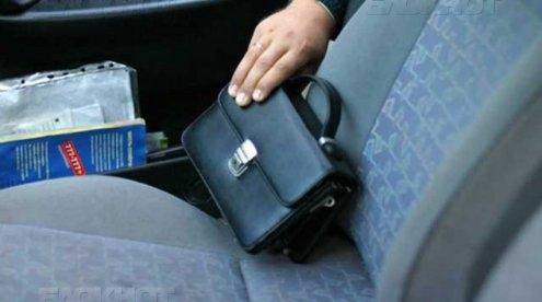 ВАтемаре пассажир обокрал таксиста