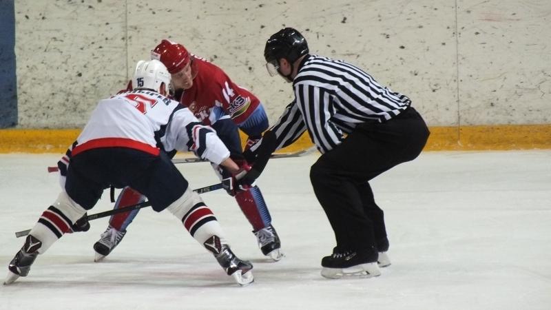 Хоккеисты «Мордовии» крупно переиграли «Кристалл» вответном поединке