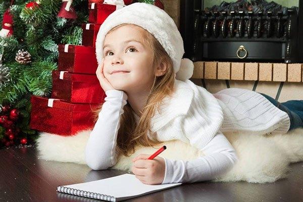 Томские школьники просят Деда Мороза отменить уроки посубботам