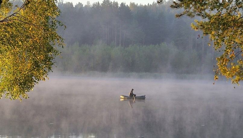 лодка рыбак фото
